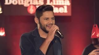 Douglas Lima & Rafael - Cola Sua Boca na Minha (DVD Sobrando Saudade)