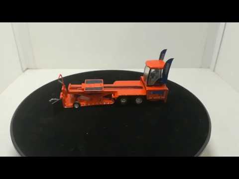 """Keep Moving Orange"" Dutch sled in scale 1/64, made by www.pullingmodelle.de"