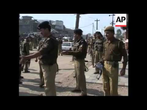 Suspected Islamic militants kill 2 policemen in Indian-controlled Kashmir