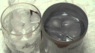 THERMOS 真空断熱タンブラーという、飲み物の温度を長時間維持してくれ...