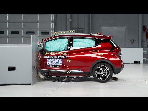 2017 Chevrolet Bolt Small Overlap IIHS Crash Test