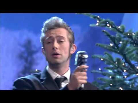 who sang driving home for christmas