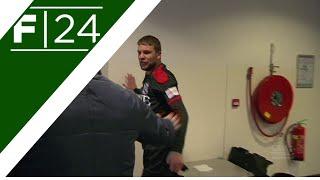 بالفيديو.. لاعب 'هيرينفين' الهولندي يفقد أعصابه بعد طرده أمام 'بي آي إس'