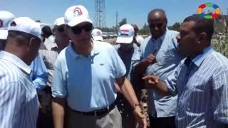 فيديو وصور| محافظ قنا يتفقد أعمال النظافة بقرية فاو قبلي ضمن مبادرة حلوة يا بلدي
