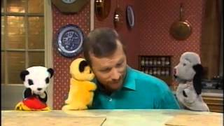 Learn With Sooty - Start To Read