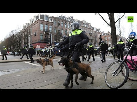 Unpopular COVID rules prompt mass riots in Netherlands
