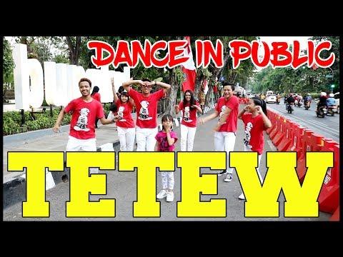 GOYANG TETEW IN PUBLIC - Choreography By Diego Takupaz