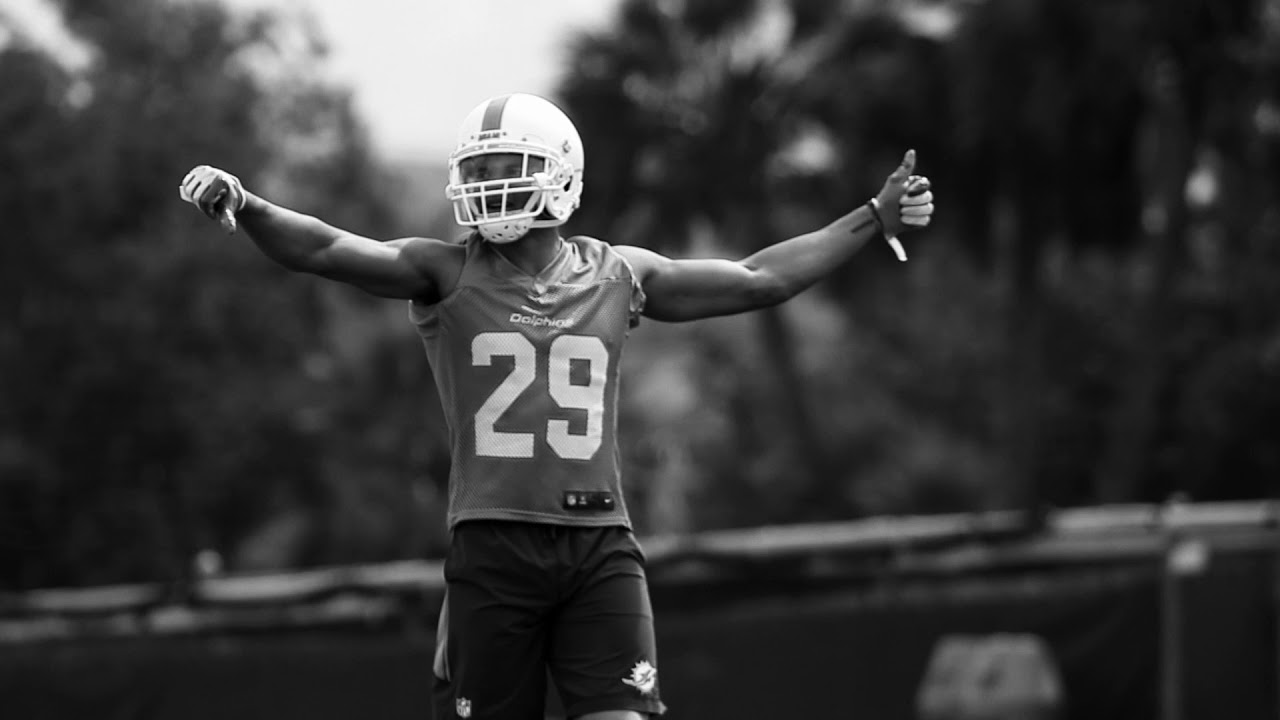 brand new 1987a b43f5 Mike Gesicki & Minkah Fitzpatrick Rookie Highlights at 2018 OTAs | Miami  Dolphins