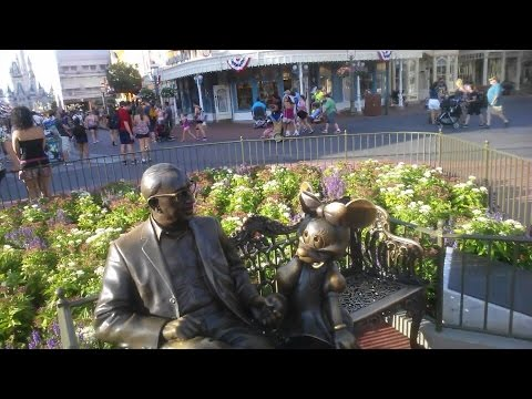 Roy O. Disney Statue - Magic Kingdom