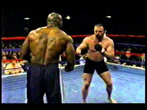 MMA Tom Jones vs Wayne Cole