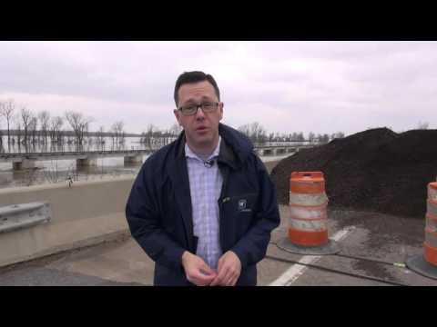 Flooding Closes US 51 Ohio River Cairo Bridge