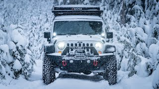 Solo Winter Camping - Deṡert Snowstorm - Life out of my JEEP
