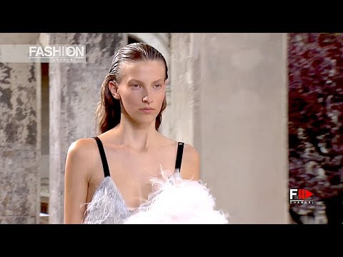 PROENZA SCHOULER Fashion Show Spring Summer 2018 Paris - Fashion Channel
