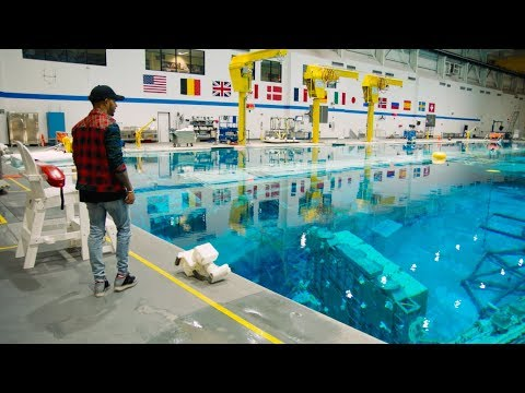 Lewis Hamilton Visits NASA - www.APEX.one