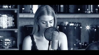 Wonderful world - Sam Cooke (Cover By: Davina Michelle)