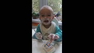 Как Папа кормит сына пока мама спит! Смех до слез!!