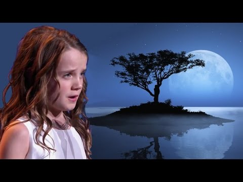 Amira Willighagen in Malta : Song to the Moon