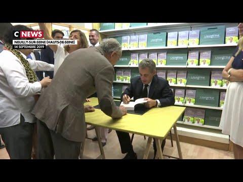 François Hollande et Nicolas Sarkozy : nouveau duel en librairies