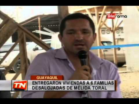 Entregaron viviendas a 6 familias desalojadas de Mélida Toral