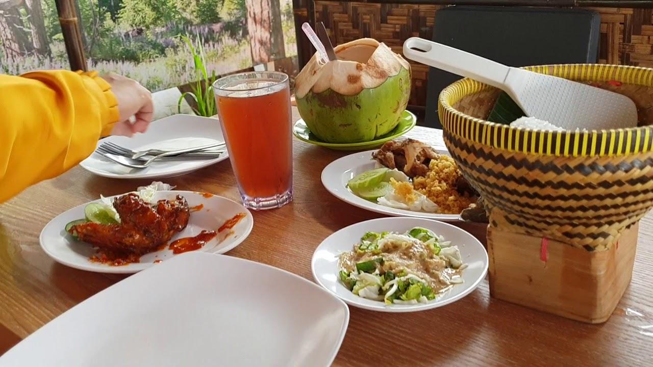 Restaurant Kampung Kecil Ciangsana Near Kota Wisata Cibubur Youtube