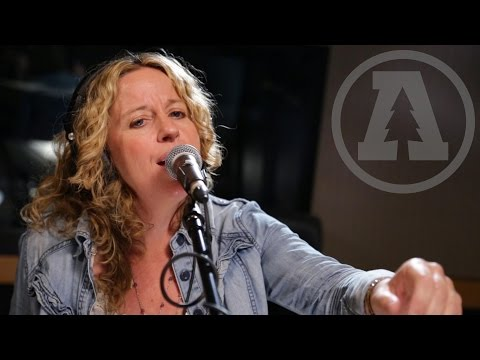 Amy Helm - Rescue Me - Audiotree Live