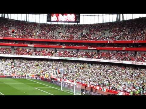 Great Arsenal Atmosphere In The Emirates Stadium