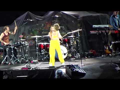 Tove Lo - Talking Body - live - Rose Bowl - Pasadena CA - October 6, 2017