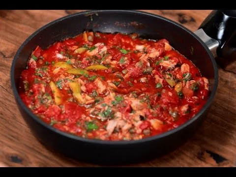 How to use tomato passata, tinned and crushed tomatoes to create the perfect pasta sauce