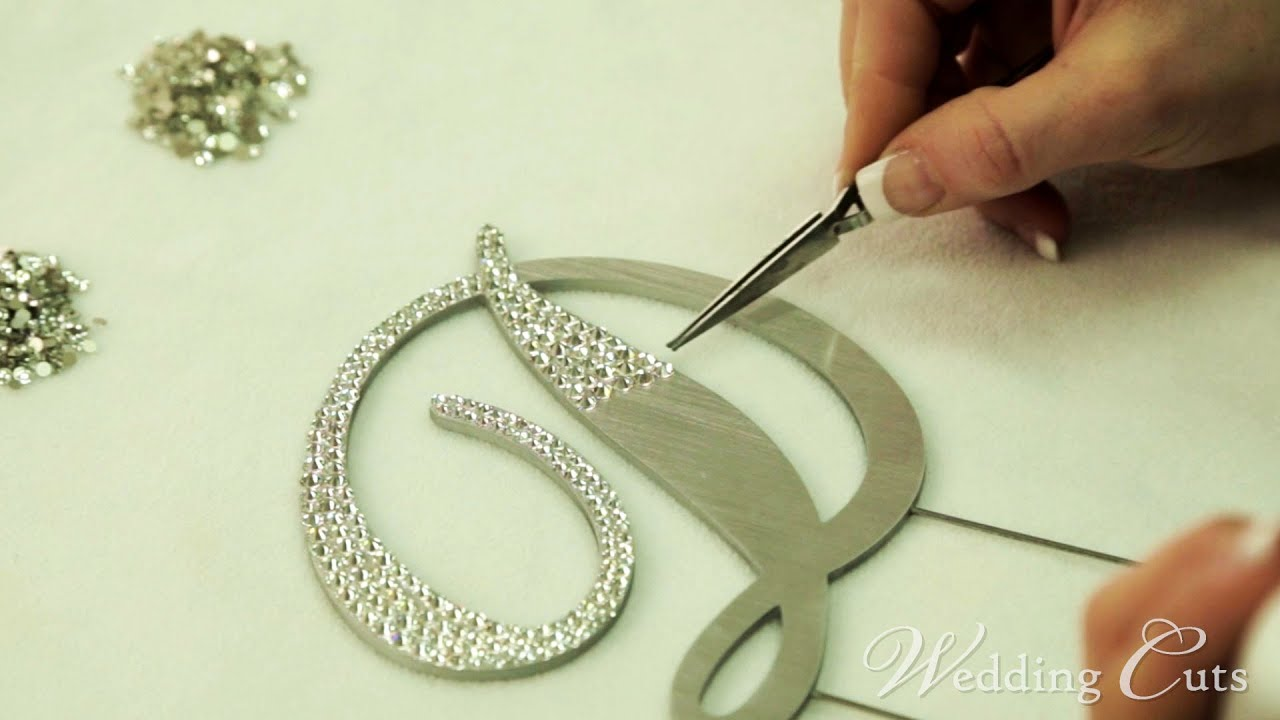 Bling your cake topper youtube bling your cake topper wedding cuts solutioingenieria Choice Image