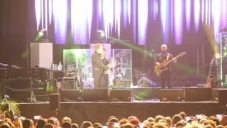 Raphael reaparece y ofrece un multitudinario concierto en Algeciras