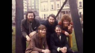 Watch Dubliners Spancil Hill video