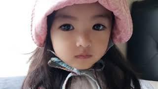 하늬야모하늬: 모자쓴 하늬 인형 미모♡♡/ 25개월 아…