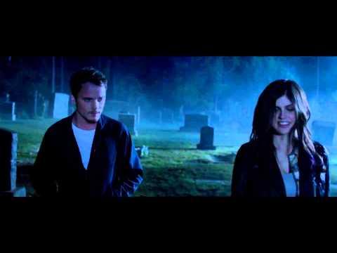 Моя девушка – зомби / Burying the Ex (2015) | Русский трейлер