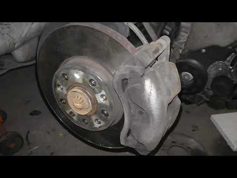 Замена передних тормозных дисков Шкода Октавия А7 (2013-2020)