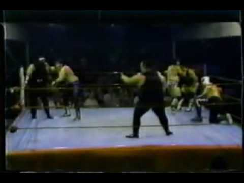 Coco Samoa & Mike Miller vs The Grappler & Super Ninja