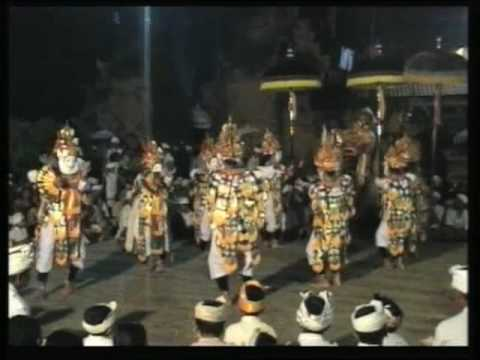 BALI: TELEK dance PURA DESA BATUAN part one by Hans & Fifi