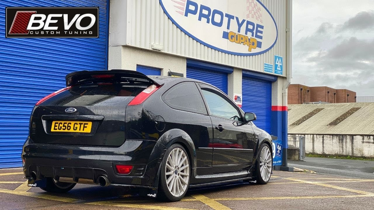 Mud Flaps to fit FORD FOCUS Mk2 ST225 RallyflapZ Mudflaps White 4mm PVC RF Red
