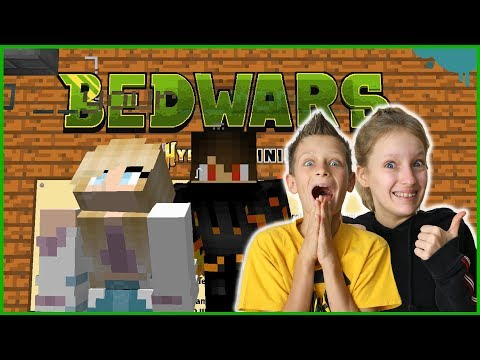 PLAYING BED WARS WITH KARINA!!!