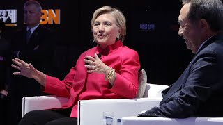 Hillary Clinton says threats to North Korea 'dangerous, short-sighted' thumbnail