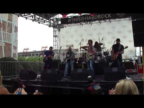 "Glen Templeton, ""Ball Cap On"", CMA Fest 2014"