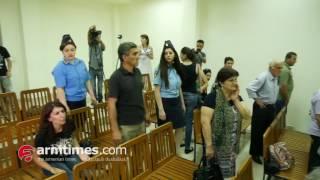 Ժիրայր Սեֆիլյանին բռնությամբ, քաշելով հեռացրեցին դատարանի դահլիճից