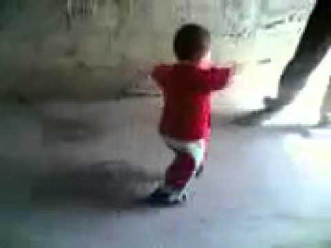 طفل بلطجي رقاصة درجة أولى thumbnail