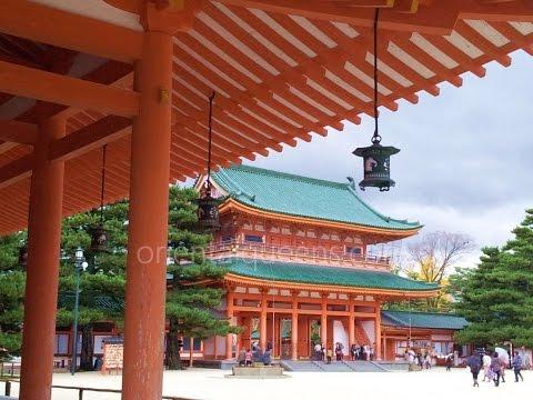 Heian Jingu Kyoto japanese garden beautiful autumn leaves Japan