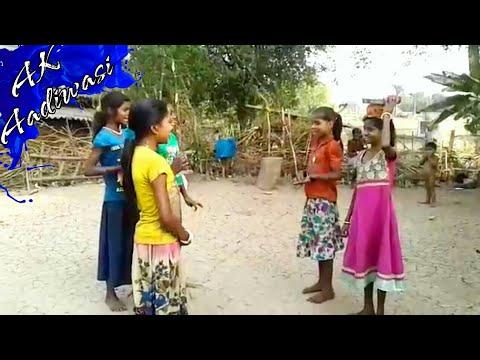 Aadiwasi Varli Geet kavlaru gharu gharu bai, Ak Aadivasi Village.