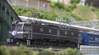 Nゲージ鉄道模型 EF58/EF65-1000 スロ81系/14系臨時特急列車