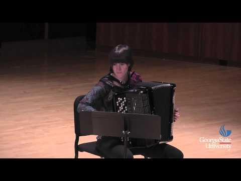 Georgina Derbez: Symphonia (2006) for solo accordion