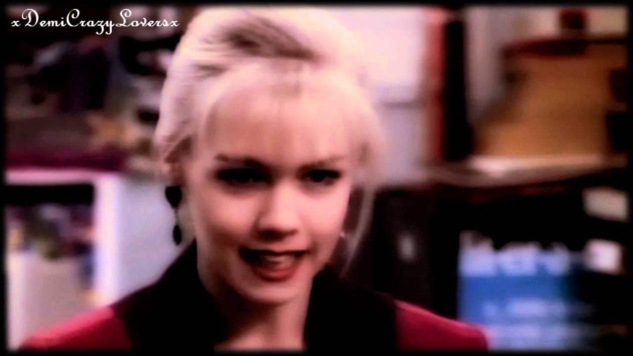 Download Jennie Garth as Kelly in Beverly Hills 90210! (Season 2)