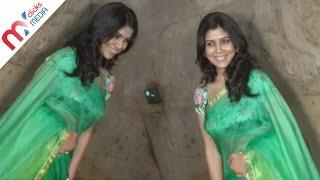 Dangal Movie Heroine Sakshi Tanwar Spicy Look In Saree || Celeb Zone