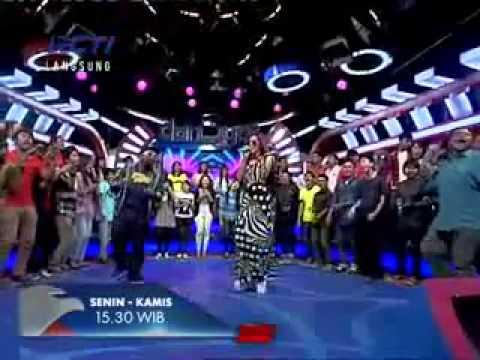 Mulan Jameela feat The Law - Makhluk Tuhan Paling Seksi (at Dahsyat RCTI)