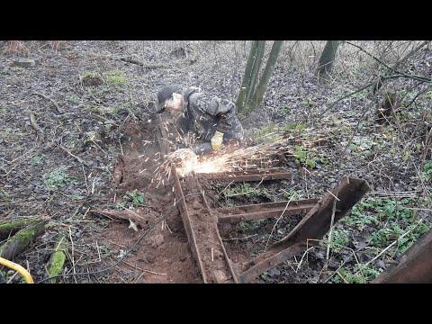 Выкопали рельсу и распилили большие железки. Коп Металлолома!!